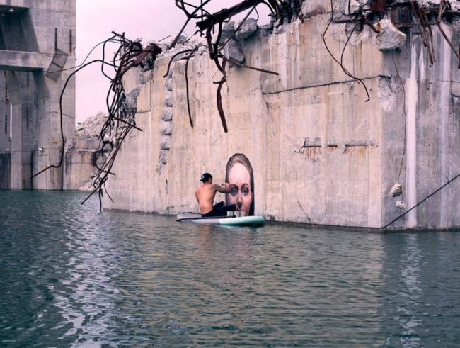 16415660-R3L8T8D-1000-street-art-murals-women-water-level-sean-yoro-hula-8